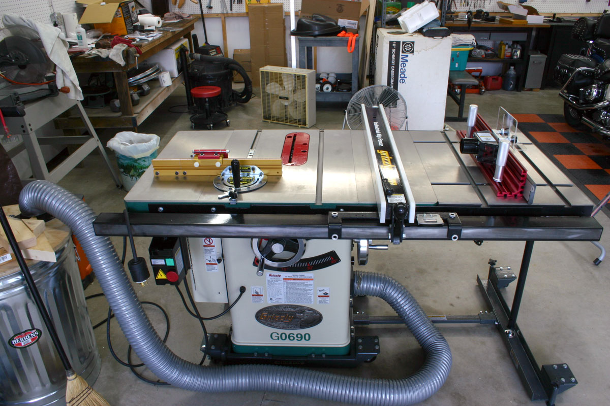 Cast iron router table extension for a table saw by newwoodbutcher httphorizontalheavensgarageworkshoptablesawfrontg greentooth Choice Image