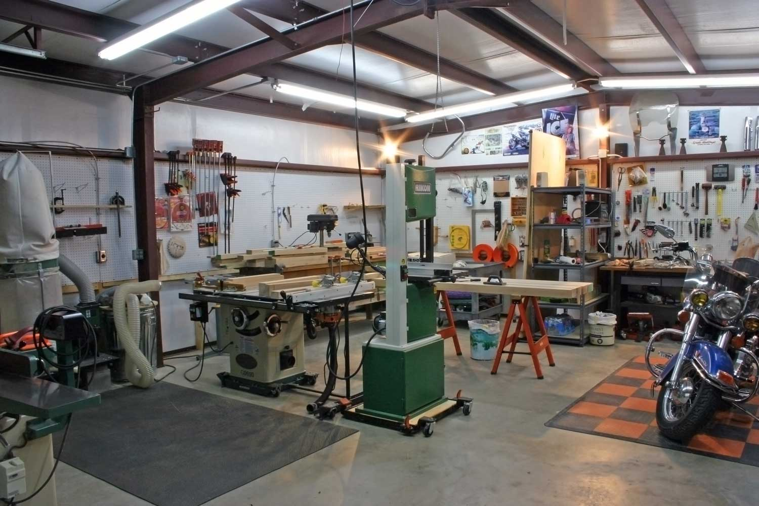 Wood workshop for The garage plan shop
