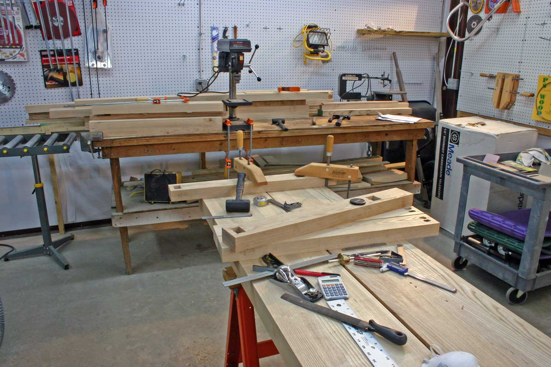 Home woodworking shop layouts excellent orange home for Woodshop design layout